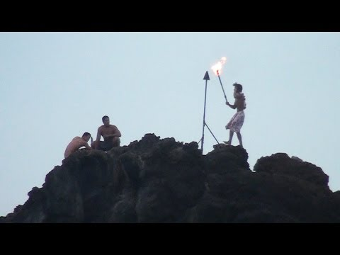 Black Rock Torch Lighting/Cliff Diving Ceremony-Maui