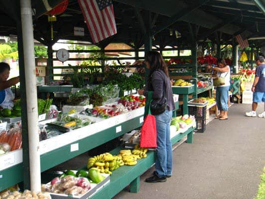 keaau-village-market-stalls