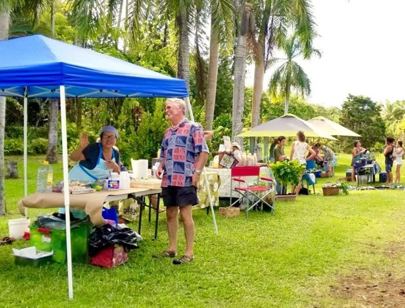 hakalau farmers market, big island, hawaii