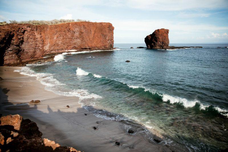 Puʻu Pehe (Sweetheart Rock)