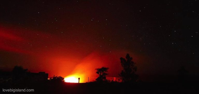 Glow above the halema'uma'u crater in the Hawaii Volcanoes National Park