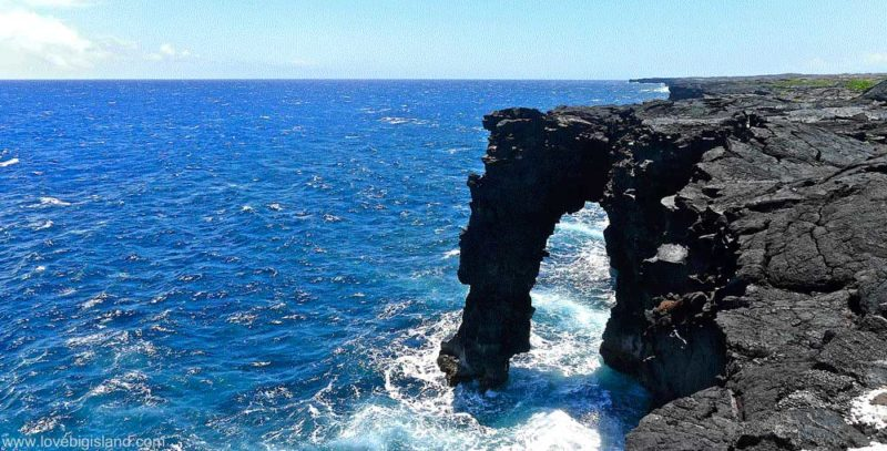 Holei sea arch in the Hawaii Volcanoes National Park