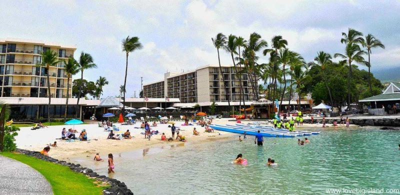 Kamakahonu (King Kam) Beach in Kona on the Big Island of Hawaii