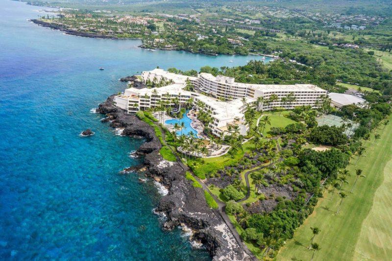 Aerial shot of the Sheraton Kona Resort & Spa at Keauhou Bay