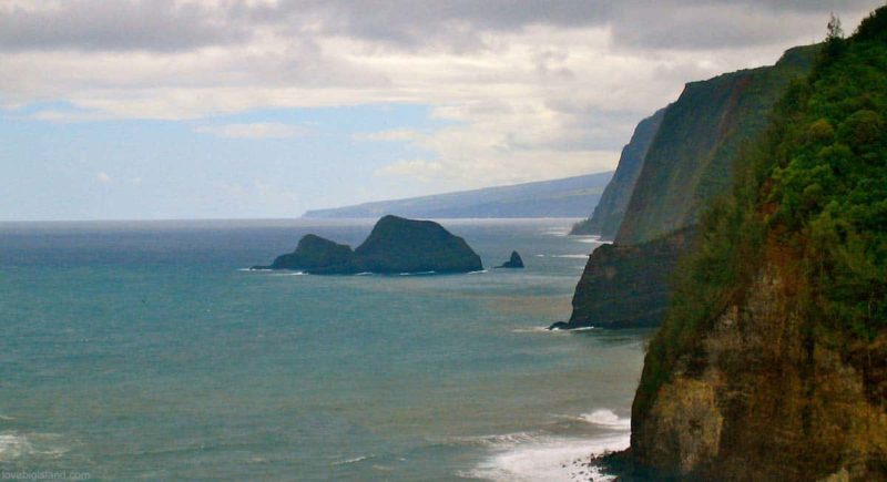 Cliffs from Waipi'o valley